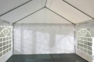 Notre tente de réception PE de 5m x 6m pour festivités est équipée d'une porte sur chacun des 2 pignons : une porte de largeur 1,50 m, et une porte de largeur de 2,70 m