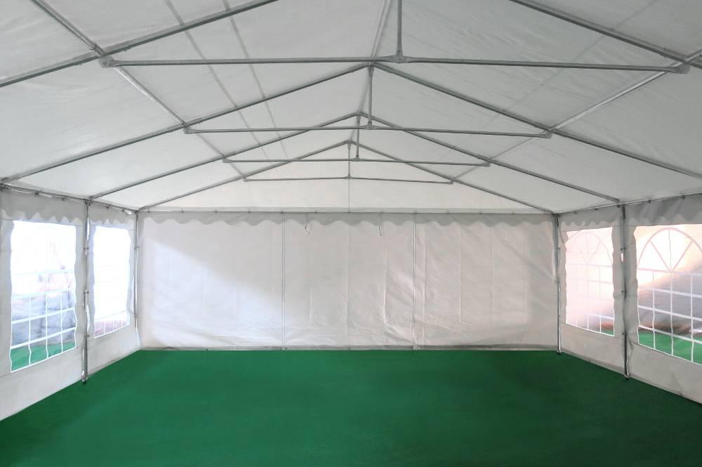 Notre tente de réception de 6m x 6m pour festivités est équipée d'une porte sur chacun des 2 pignons : une porte de largeur 1,50 m, et une porte de largeur de 2,70 m