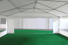Porte de 2,70m sur un des pignons de notre tente de réception événementielle de 6x10m