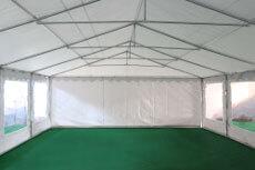 Notre tente de réception de 6m x 12m pour festivités est équipée d'une porte sur chacun des 2 pignons : une porte de largeur 1,50 m, et une porte de largeur de 2,70 m