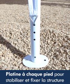 Notre tente de réception octogonale est équipée d'une platine à chaque pied pour une accroche au sol et une meilleure stabilité