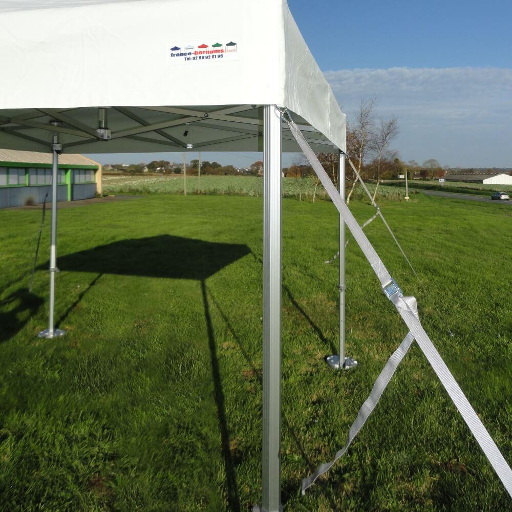 Kit d'arrimage Pro pour tente pliable, barnum pliant, stand de marché en situation