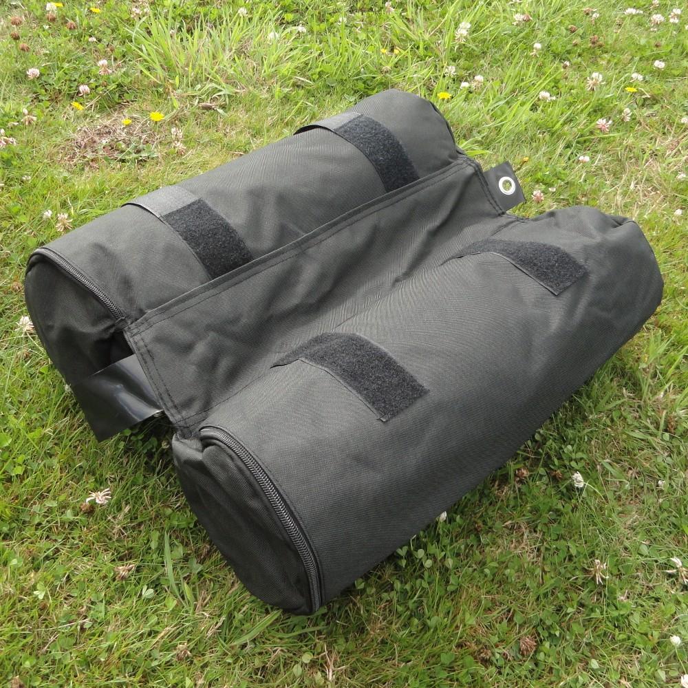 Attache par sangles avec bandes velcros du sac de 28 kg à remplir avec du sable pour tonnelle pliante francebarnums.com