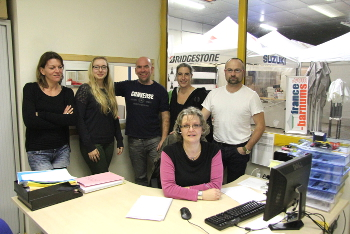 Une partie de l'équipe de France-Barnums dans les bureaux situés près du Showroom
