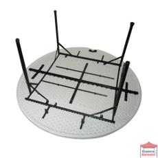 La structure de notre table de réception ronde pliante est en Acier peint laqué NOIR de 28mm de diamètre et de 1mm d'épaisseur