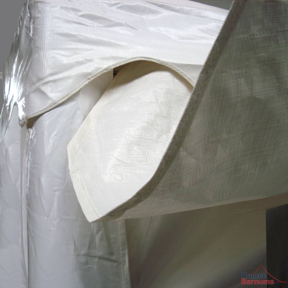 Gouttière de 14m à positionner entre deux tentes de réception