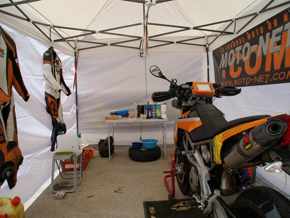 Barnum Acier Semi Pro 3,4m mise en place d un paddock moto