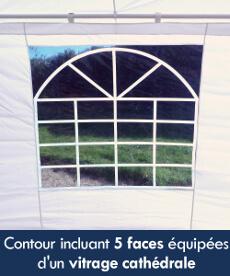 5 faces de notre tente de réception octogonale sont équipés d'une fenêtre avec vitrage cathédrale